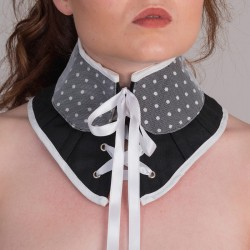 Black neck corset with baby collar - detail