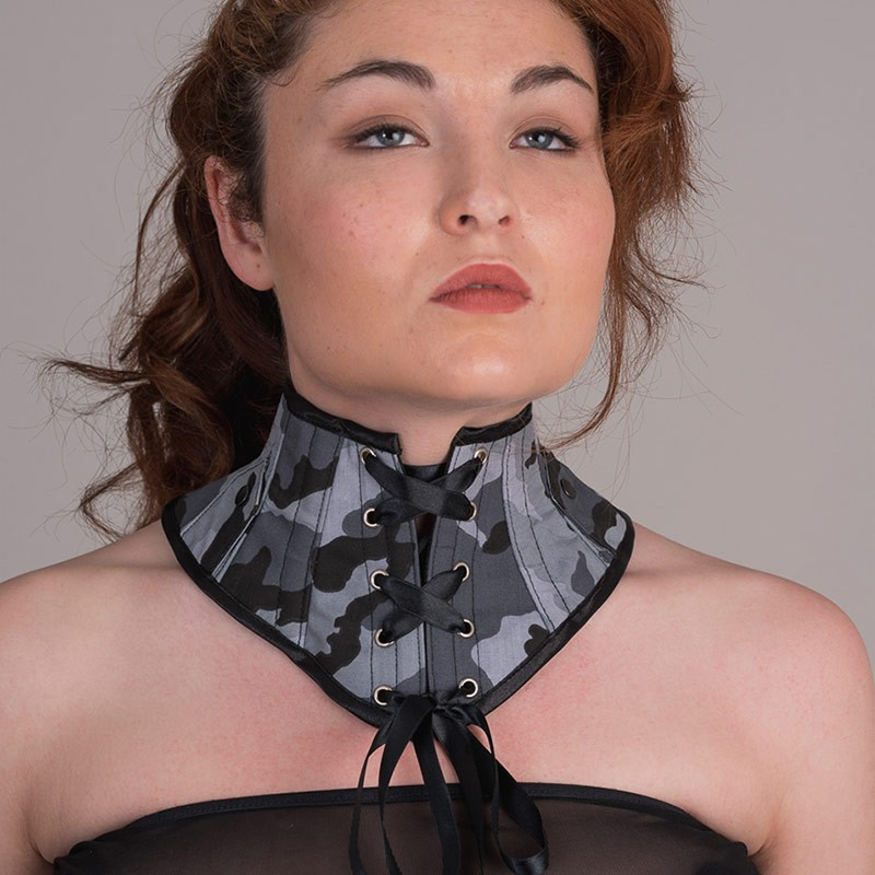 Urban camouflage neck corset with side lapels