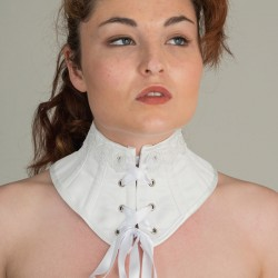 White satin neck corset with guipure