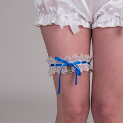 White guipure garter with blue ribbon, key and padlock - front