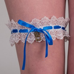 White guipure garter with blue ribbon, key and padlock